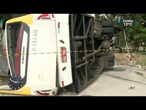 Ônibus tomba e deixa ferido no Rio de Janeiro   SBT Notícias (04/09/18)