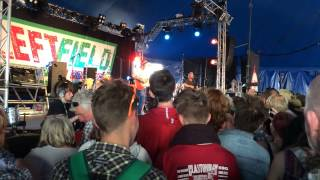 "Frank Turner & Billy Bragg ""Levi Stubbs Tears"" @ Leftfield, Glastonbury Festival 2015"