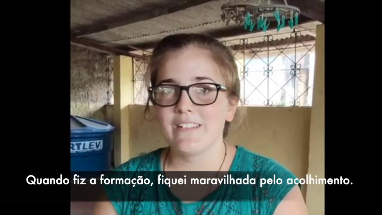 Elizabeth, voluntária americana na casa Sagrada Família