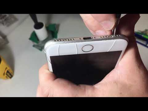 How to clean your iPhone charging port