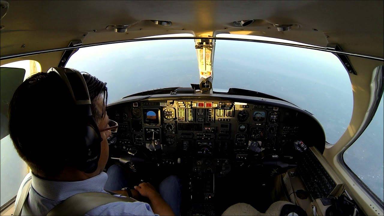 VFR flight in a Citation V jet - cockpit view with live ...