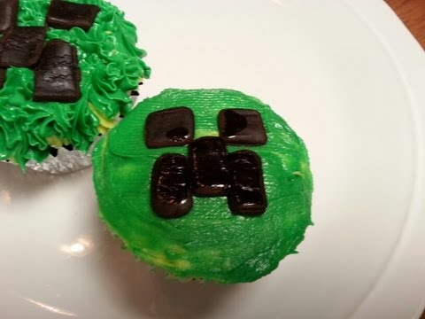 MINECRAFT CREEPER CUPCAKES EASY!