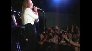 karina en la carpa rafael perazza , Sann Jose , Uruguay (parte 4:actuacion en escenario)