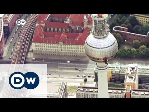 Tourists flock to Germany in the summer | DW Business