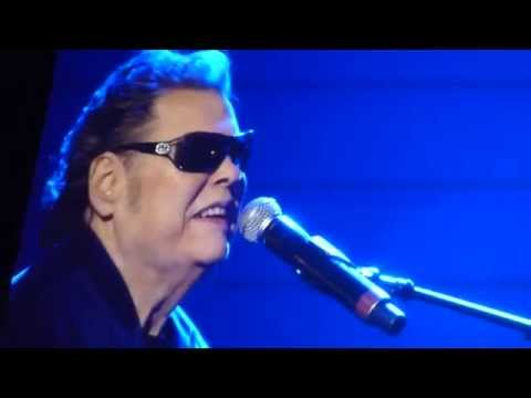 Ronnie Milsap, Smokey Mountain Rain (All for the Hall)