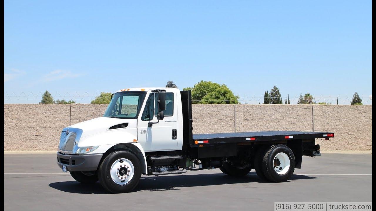 2004 int 39 l 4300 16 39 flatbed truck for sale youtube. Black Bedroom Furniture Sets. Home Design Ideas