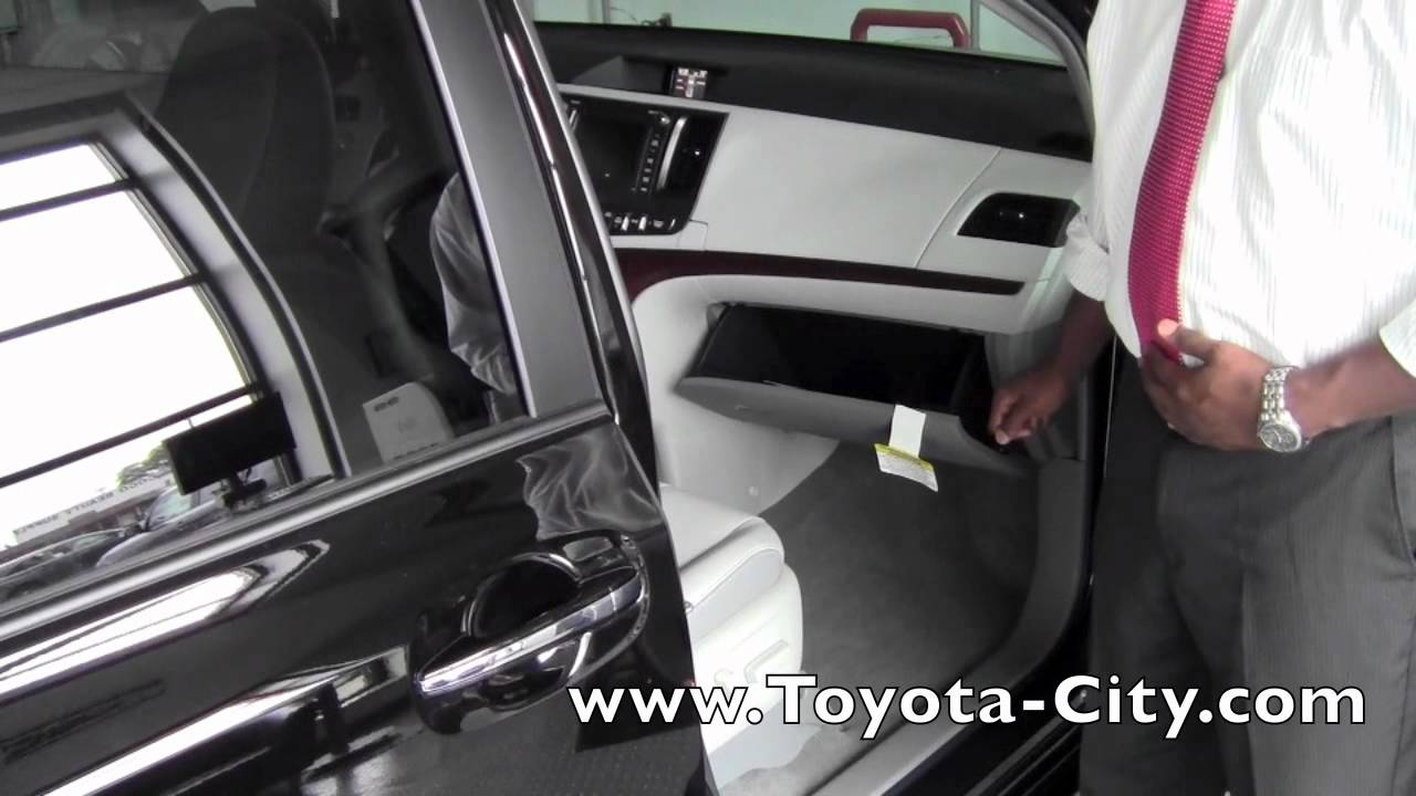 2011 Toyota Sienna Dual Glove Box How To By Toyota