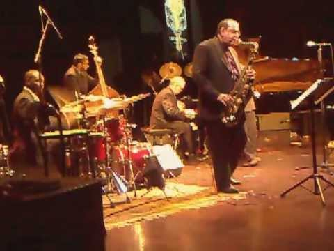 "KURT ELLING ""All Or Nothing At All"" Feat. ERNIE WATTS & LAURENCE HOBGOOD TRIO  Umbria Jazz Winter#17"