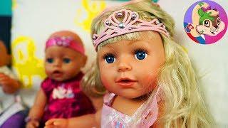 BABY BORN príbeh   Veselá kostýmová párty zaháňa nudu počas dažďa   Staršia sestrička stráži bábätká