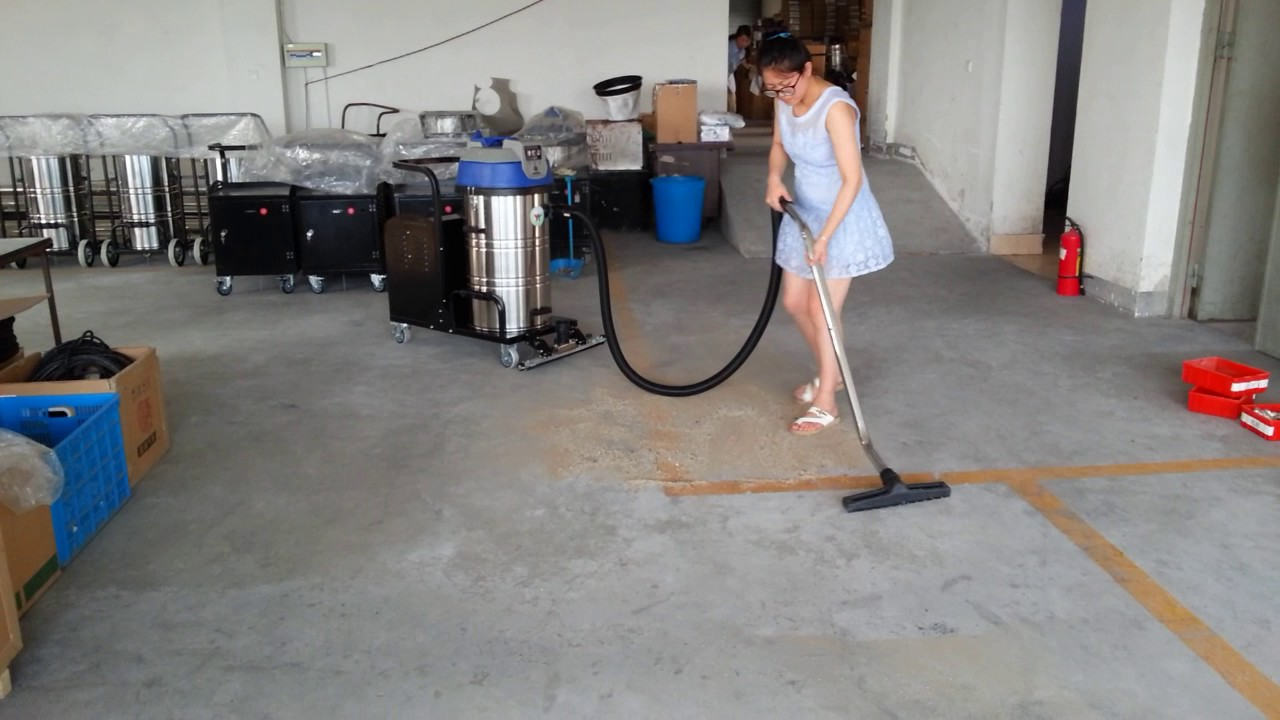 Industrial Battery Powered Vacuum Cleaner Youtube