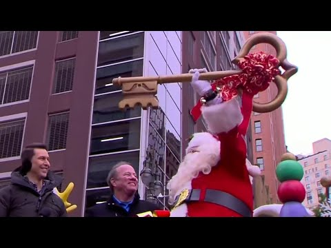 2018 America's Thanksgiving Parade in Detroit warms holiday crowds