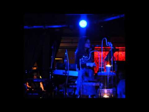 Mazzy Star - Cry Cry - live 2013 (audio), Nov. 4, Seattle,+Hope chats&jokes w. audience