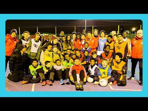 Sheikha Al Thani attend the English team (2TR) football trials