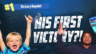 HELPING A 12 YEAR OLD KID GET HIS FIRST EVER WIN!! Fortnite: Battle Royale