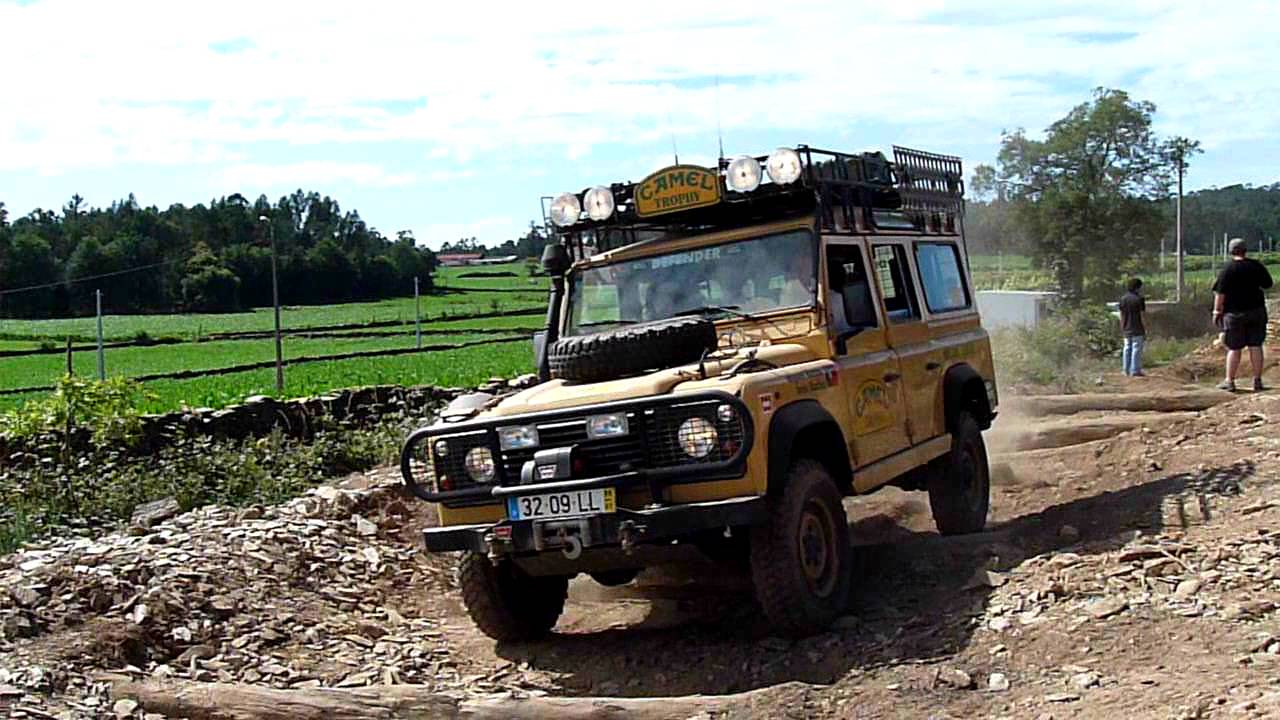 X Rates Billing 2011 Land Rover Defender 110 Camel
