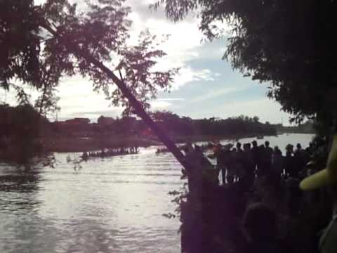 [Đua thuyền Lệ Thuỷ 2/9]Ve Hoi Cung -Loc Thuong.MP4
