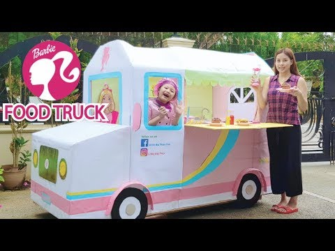 Barbie Life Size Food Truck ! Box Fort Restaurant !