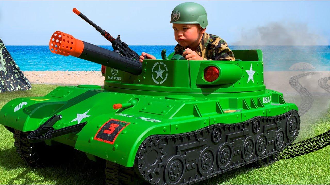 Військовий Діма їздить на ТАНКУ і ловить злодія