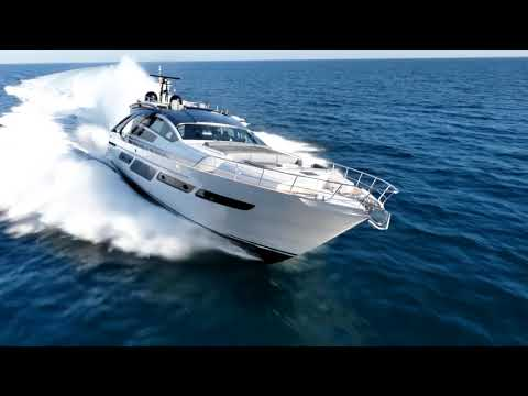 Luxury Yacht - Pershing Yacht 9X