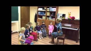 видео Вокал для детей 3-5 лет занятия в Москве | Центр детского развития Имена Продакшн