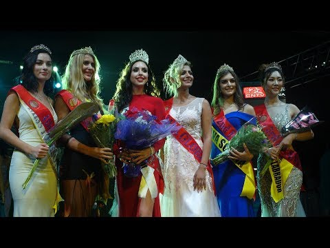 Miss Globe Canada 2017 Crowning Moment