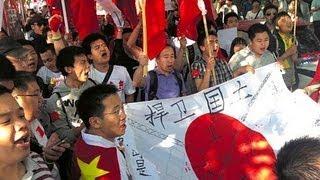 反日デモ、北京で1万人 一部暴徒化、日本大使館に投石 2012年9月
