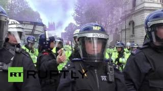 UK: Police battle to keep anti-Tory protesters from Downing St.