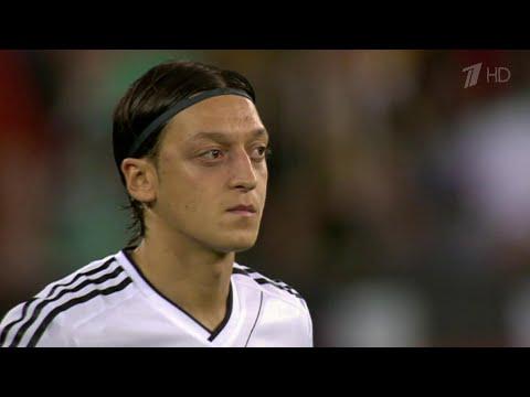 Спортивный мир горячо обсуждает атаку на одного из самых титулованных футболистов Европы.