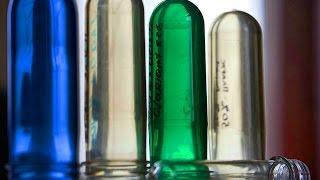 Как делают пластиковые бутылки. Производство пластиковых бутылок(Как делают пластиковые бутылки методом преформы. ПЭТ-бутылки производятся с помощью процесса, известного..., 2015-08-19T10:38:12.000Z)