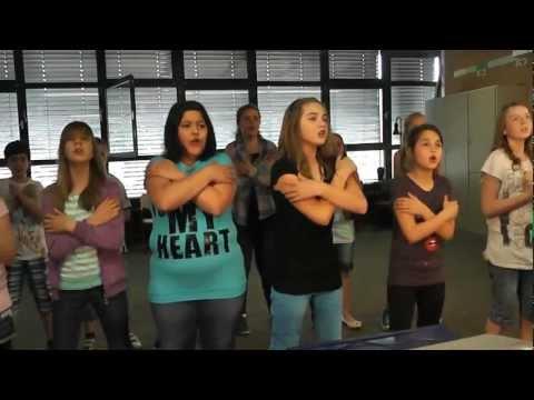 Blick ins Klassenzimmer - Musikunterricht in der 5.1 - Alles nur geklaut