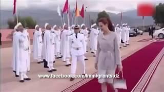 شاهد رد فعل زوجة ملك المغرب عندما حاول قائد الحرس الملكى تقبيل يدها ردة فعل غير متوقعة