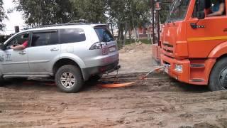 Pajero Sport & KAMAZ(Очередной самосвал КАМАЗ привез 12 м.кб. грунта для подсыпки, и совершенно глупо сел на брюхо в песчаной лову..., 2014-08-19T20:44:32.000Z)