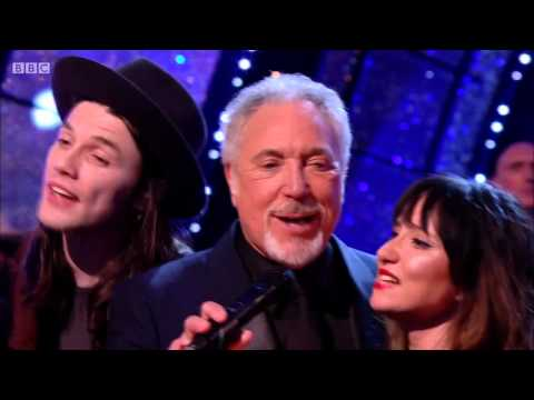 Jools Holland and Friends - Enjoy Yourself (It's Later Than You Think) [HD] Tom Jones 2015/2016