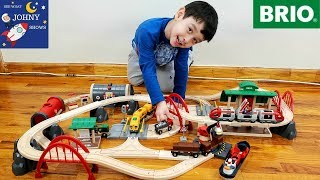 Johny Opens Subway Train Toys With Brio Deluxe Railway Set