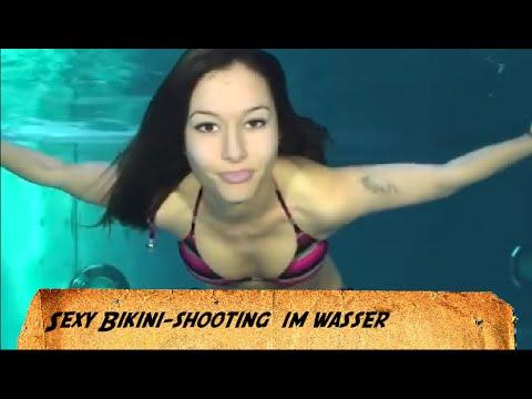 Frau Im Bikini Unter Wasser Vektor Illustration