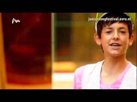 Junior Songfestival - Alessandro - Una Chica Especial - Officiële Videoclip (2012)