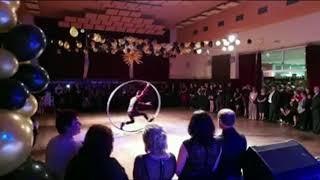 Akrobaticka show / Cyrwheel