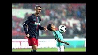 Cristiano Ronaldo'nun Oğlunu Futbol Oynarken İzleyin...