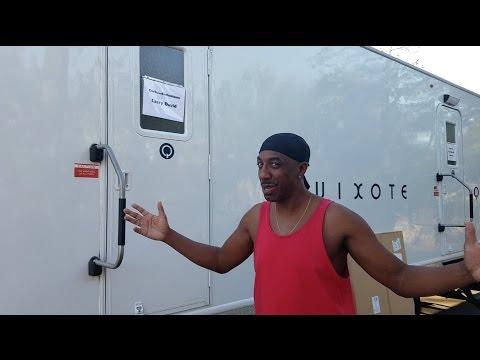 JB Smoove Visits Larry David On Curb Your Enthusiasm Season 9 Set (HBO)