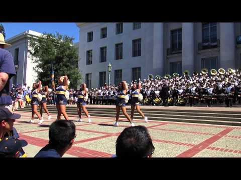 Cal Band Sproul Hall Rally vs. Grambling State 2015 Berkeley California (Guardians of the Calaxy)
