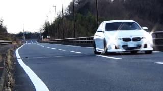 BMWアクティブハイブリッド3のエキゾーストをACシュニッツァー+ワンオ...
