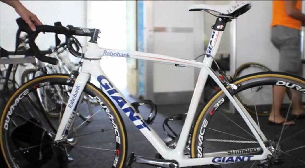 Discovery v Michael Matthews  Rabobank team bike - YouTube 9310f2567