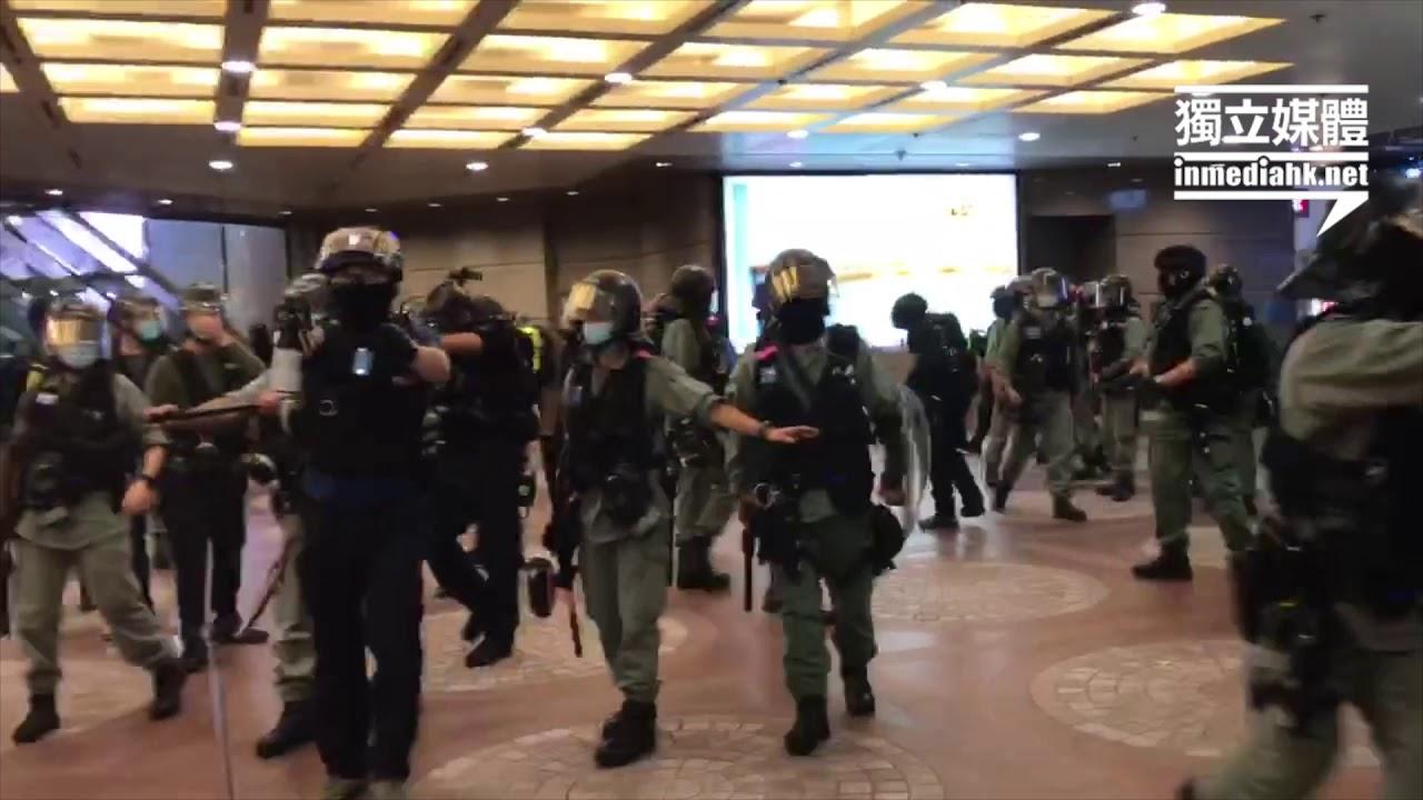 防暴衝入時代廣場驅散 向記者直射胡椒