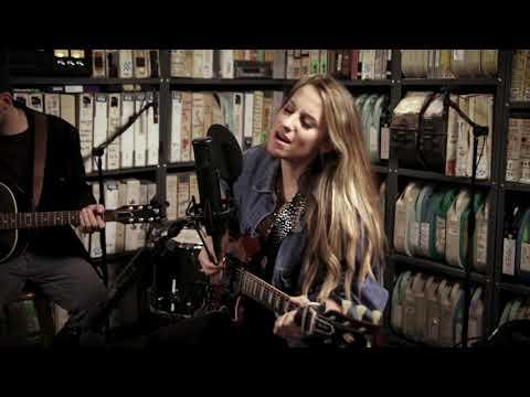 Download  Caitlyn Smith - Feel That Way - 1/17/2020 - Paste Studio NYC - New York, NY Gratis, download lagu terbaru