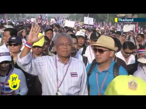 Thai PM Yingluck calls early election