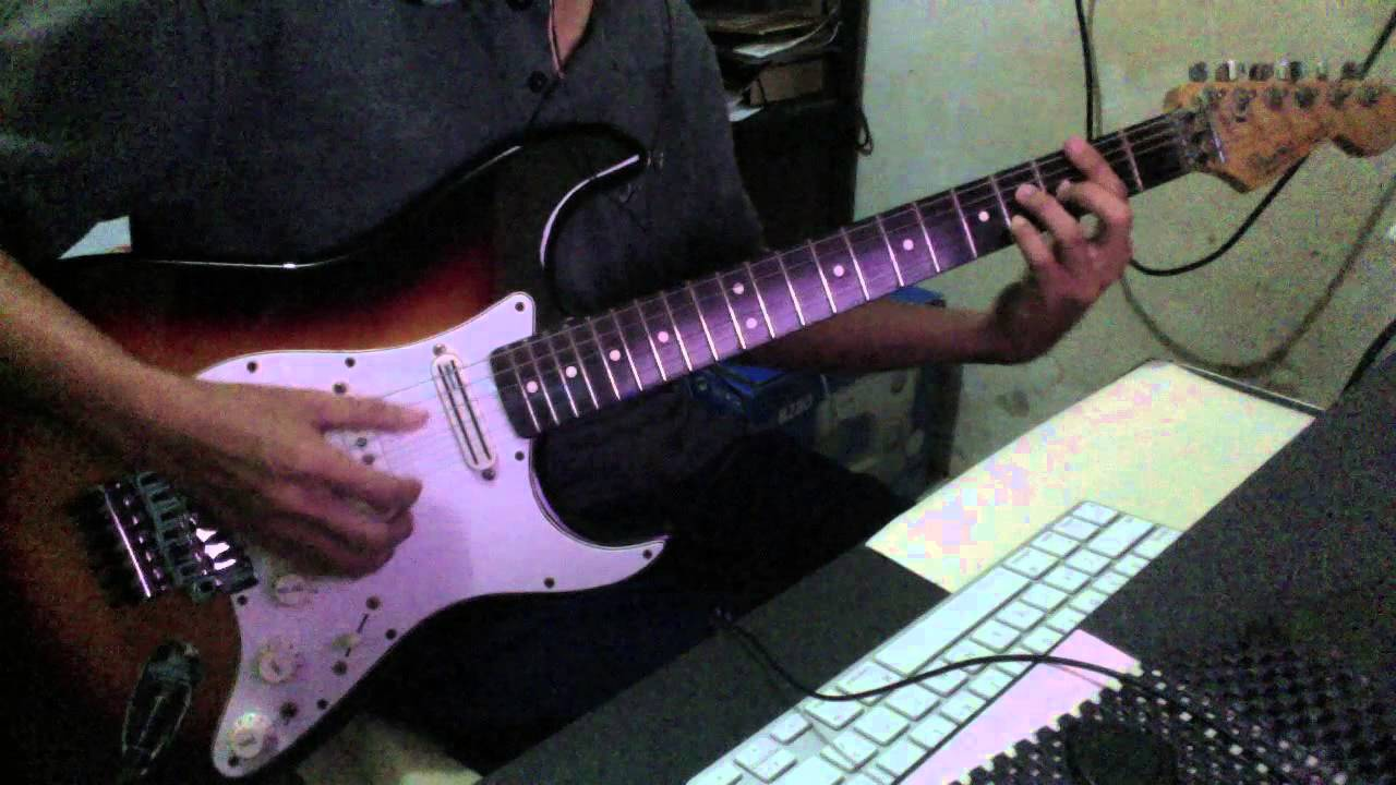 Graphtech Acoustiphonic on Fender Stratocaster - YouTube