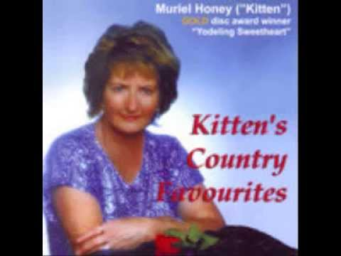 Kitten (NZ Yodelling Queen) - I'm Still Singing Country Music (c.1983).