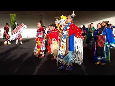 Indigenas  De Canada Solo En Peliculas Habia Visto Estas Personas
