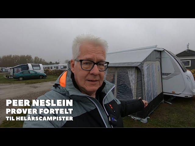 Peer Neslein prøver fortelt til Helårscampister på WorkShop nr. 1