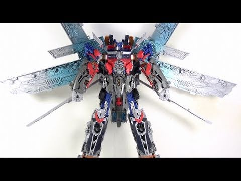 Video Review of the Transformers 3 Dark of the Moon (DOTM) ; Ultimate Optimus Prime